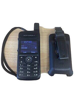 Motorola SL4000e UHF Hand Held Radio