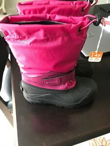Columbia Size 2 - Brand New winter boots