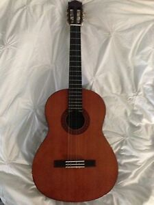 Classical guitar Yamaha C-40 Barragup Murray Area Preview