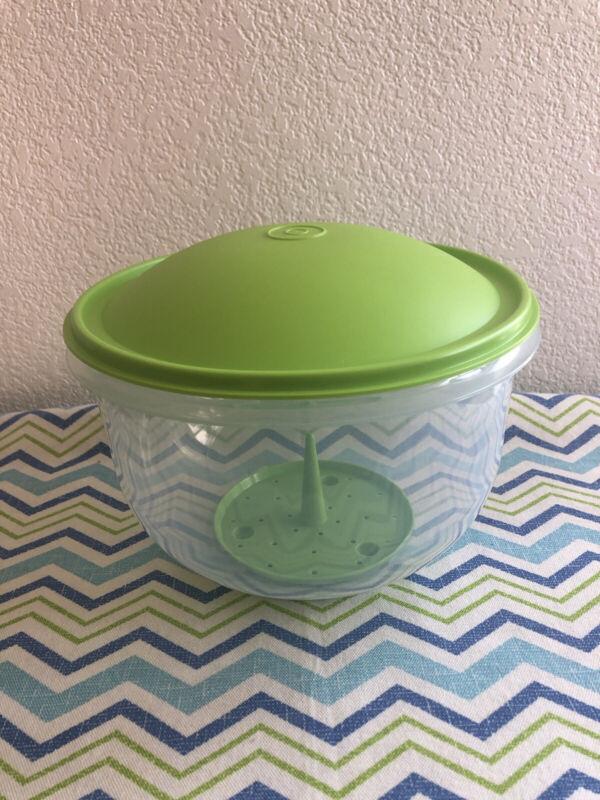 Tupperware Large Crisp-It Lettuce Keeper w/ Green Seal Corer & Spike 3L / 12 Cup