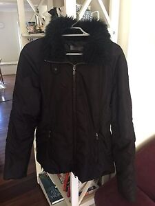 Women black winter puff jacket size small Cooks Hill Newcastle Area Preview