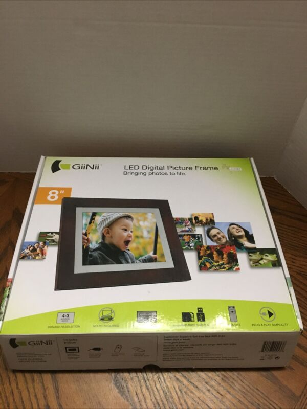 GiiNii Led 8 inch Digital Picture Frame NEW in Box Plug & Play Easy to Use