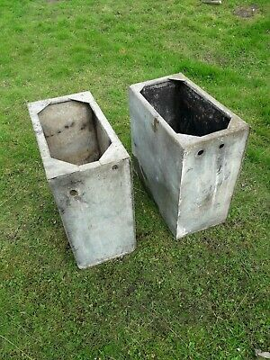 2 X GALVANISED TANKS GALVANISED PLANTERS GALVANISED WATER TANKS (1786)