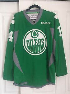 Green St patrick's day Oilers jersey