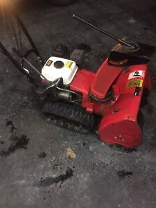 Honda snowblower hs622 with light and electric start