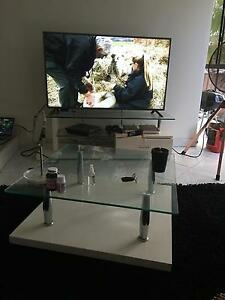 Tv unit and coffee table Georges Hall Bankstown Area Preview