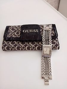 Guess Bracelet Watch With Tri-Fold Wallet Mindarie Wanneroo Area Preview