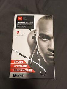 JBL synchros reflect Bluetooth headphones