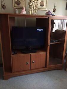 Nice tv cabinet  Edmonton Edmonton Area image 1