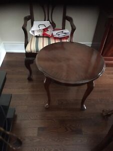 Coffee table/end table t.v. Glass and wood stand