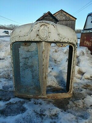 Antique 1950s Fordson Tractorbackhoe Grillradiator Surround- Wall Art