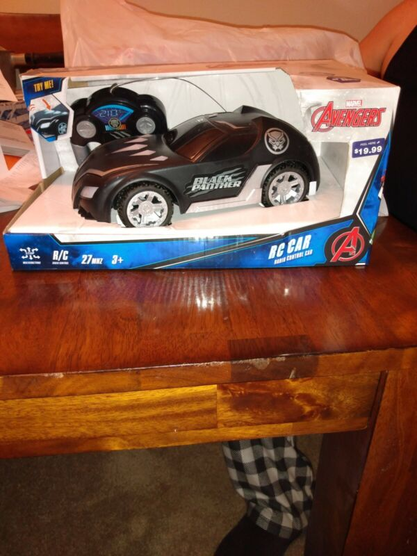 Marvel Avengers Black Panther Light And Sound Radio Control Car