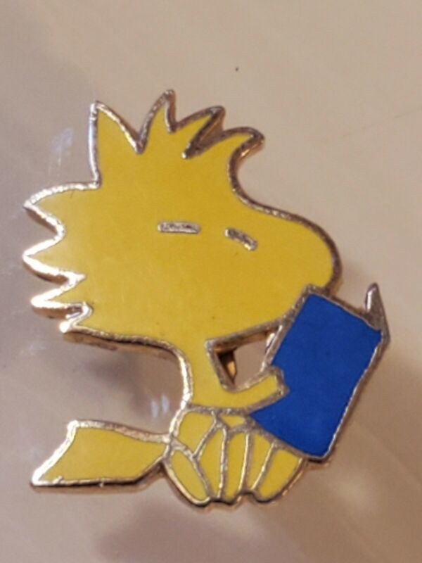 "vintage peanuts ""Woodstock "" pin 1965 with blue book signed dated MINT CONDITION"