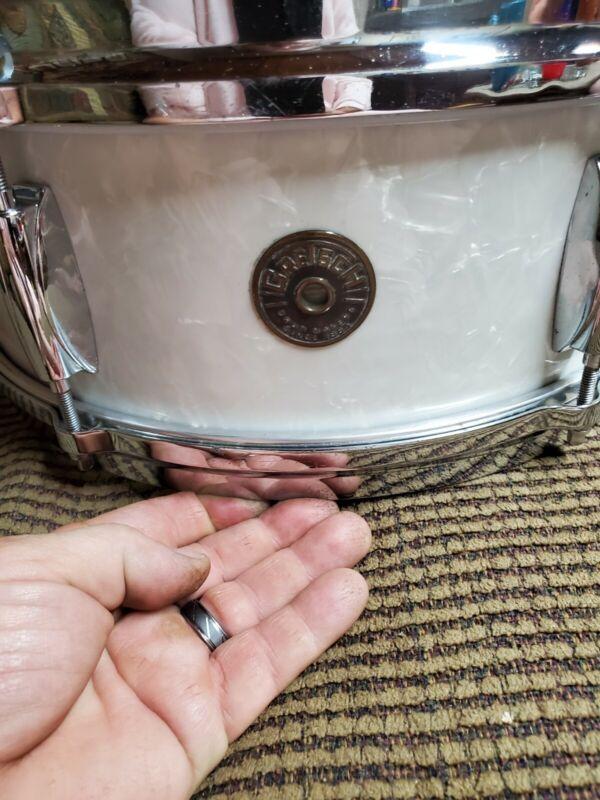 😯 Vintage Gretsch Round Badge Snare Drum 😎