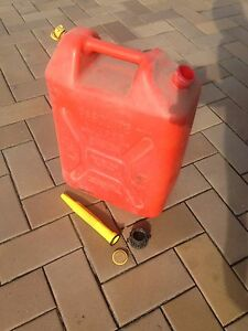 20l jerry cans x3 Glamorgan Vale Ipswich City Preview
