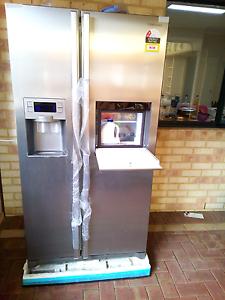 Samsung fridge freezer with ice , water & easy access door. Duncraig Joondalup Area Preview