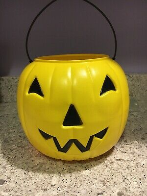 Vintage General Foam Blow Mold Yellow Halloween Pumpkin Jack O Lantern Pail EUC