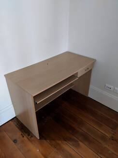 FREE TO PICK UP DESK