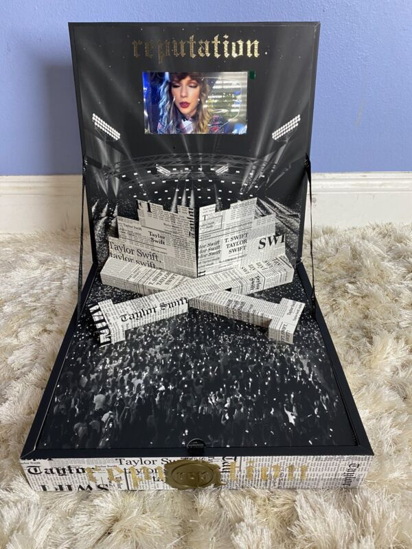 Taylor Swift Reputation Tour VIP Collector