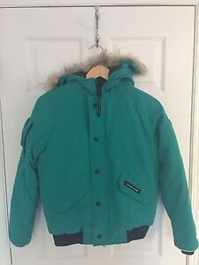 Canada Goose Bomber jacket (Girls)