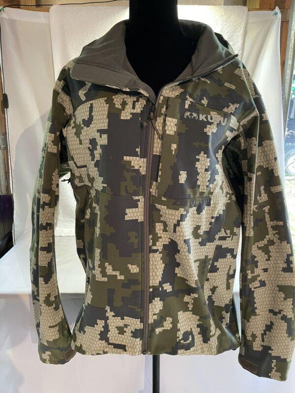 Kuiu Hunting Suit w/ Tshirt Verde
