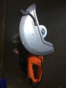 Husqvarna Wet Cement Saw