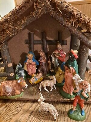 Italy Nativity Set 11 Plastic Figural & Stable