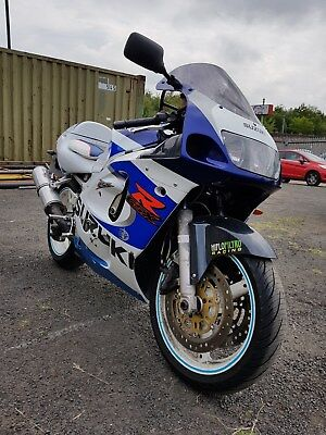 1999 T Suzuki GSXR 600  spares or repairs