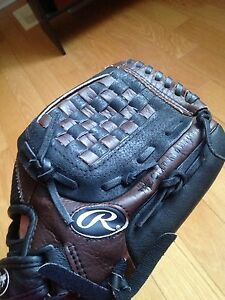 Rawlings Playmaker series 12 baseball glove