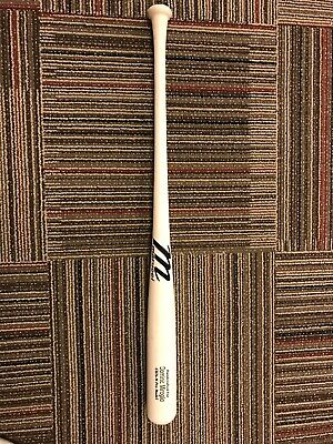 Marucci Maple Wood Bat. 33.5 Inches Long, 31.5 Ounces In Weight.