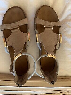 Inuovo Taupe/Grey Strappy Sandals Size 5