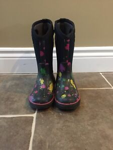 Girls winter Bogs - size 13