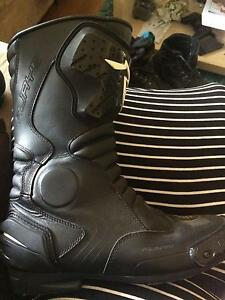 RJAYS motorcycle boots Scullin Belconnen Area Preview