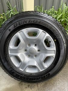 Ford Ranger XLT PX2 17 inch alloy wheel with new tyre