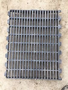 Pig Slats 18x24 lots available $1 a peice Kitchener / Waterloo Kitchener Area image 1