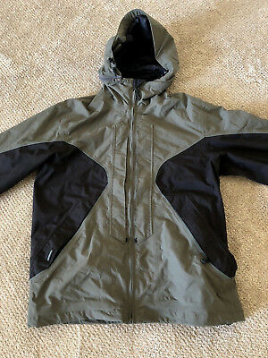 4798e7ad3075e Mens Volcom Snow Jacket Tons Of Extras Size S NEW