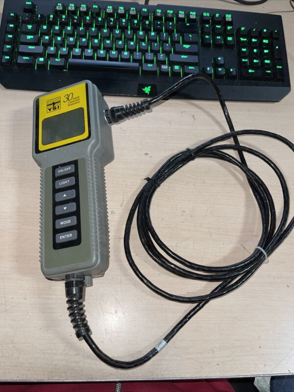 YSI 30 10FT Cable Salinity Conductivity Temperature Meter