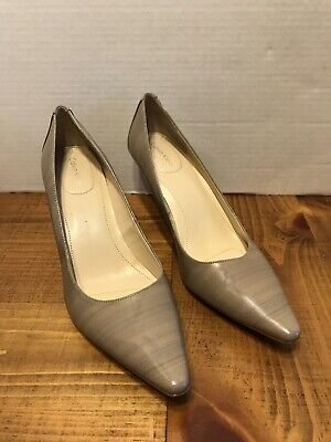 Calvin Klein Dolly 8.5 Tan Heel Shoes With Gray Shadow Stripe