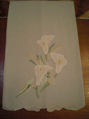 MARGHAB MADEIRA LINEN FINGER TIP GUEST TOWEL Calla Lily