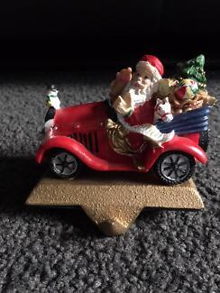 Stocking hanger - Santa in car