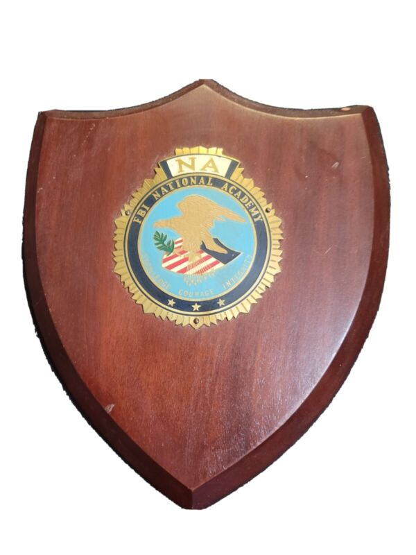 Rare classy FBI National Academy Wall Plaque Metal Crest on walnut 8 x7 inches