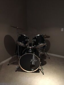Black peavey drum set barely used