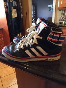 Men's Adidas Basketball Shoes,  size 9