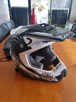 M2R MX racing helmet