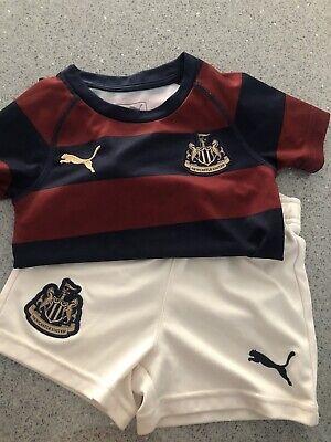 Newcastle United Baby PUMA Football Kit 1-2 Years -