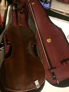 Old fiddle and case
