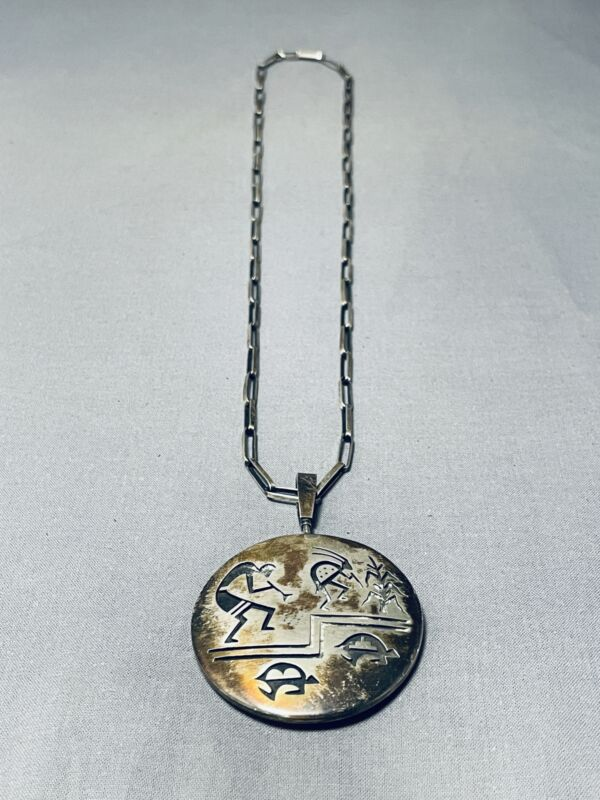 ONE OF THE BEST HEAVY HOPI DOUBLE SIDED VINTAGE STERLING SILVER NECKLACE