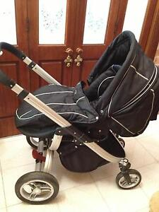 Valco Rebel Q -  4 wheel Pram/Stroller Wollongong Wollongong Area Preview