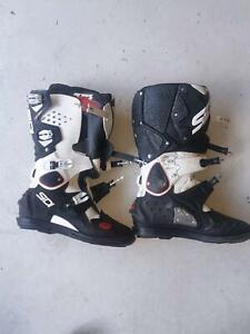 Complete Dirt Bike or Motocross gear, helmet, boots, armor, etc.