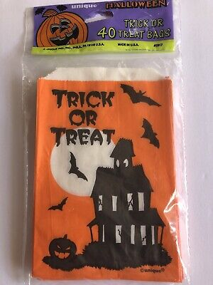 VINTAGE HALLOWEEN HAUNTED HOUSE TREAT BAGS PAPER GOODIE BAGS NOS NIP MADE IN USA
